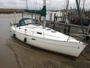 Beneteau Oceanis 331 Lifting keel